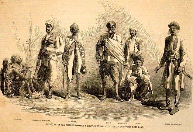Thuggee topluluğu cani olmasının yanı sıra kendi tarihlerini Müslüman kabilelere dayandırmaktaydı. Fakat daha sonra içlerine pek çok Hindu girmiştir.