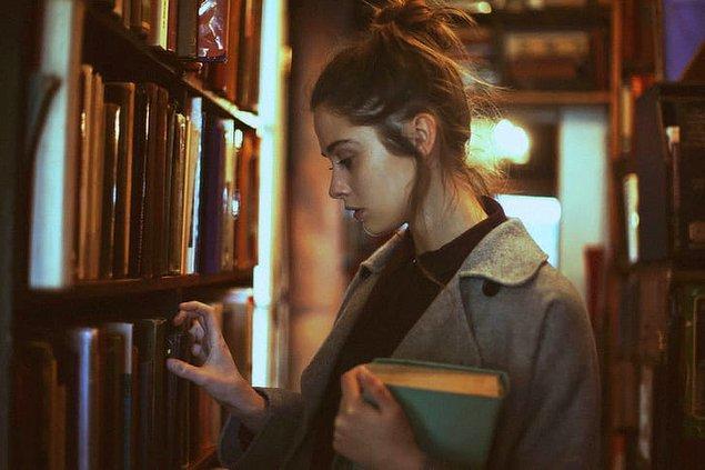 11. Kütüphaneci
