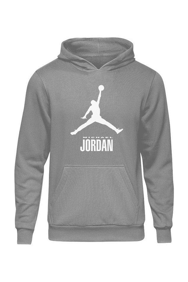 13. Neticede Jordan'a da sadece erkekler hayran değil. Bir kızın üzerinde de son derece cool duracak bir parça bence.