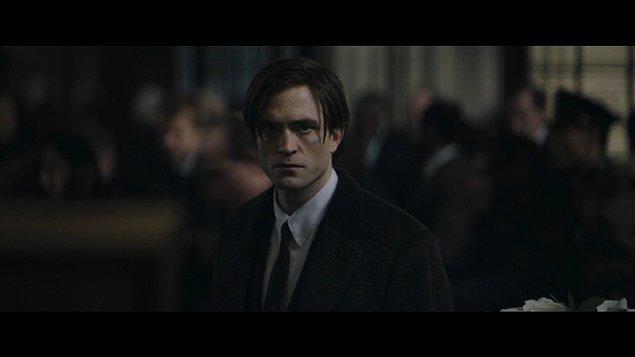 Yeni Batman filminde Pattinson, Bruce Wayne'in 33 yaşındaki halini canlandırıyor. Kendisi, bu filmde Christian Bale'in ardından en genç Bruce Wayne olarak karşımıza çıkacak.
