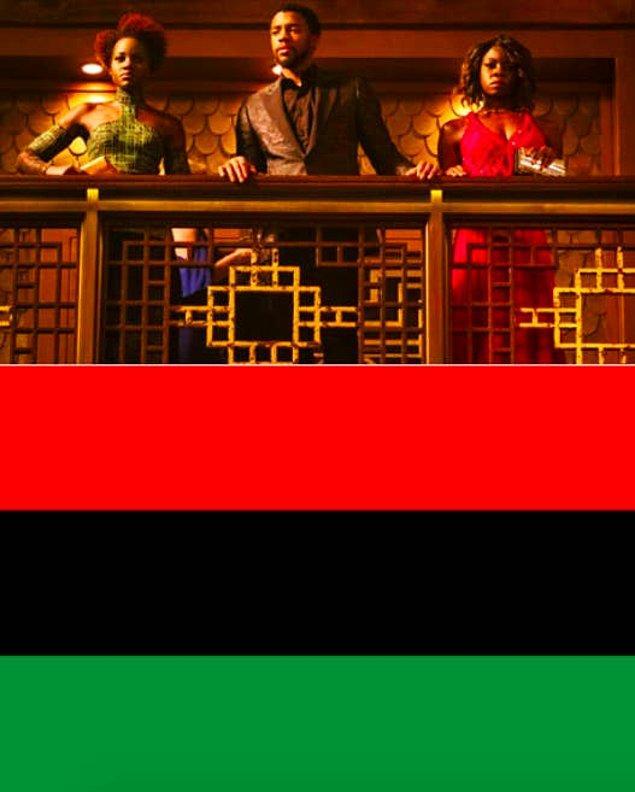 10. 'Black Panther'de Nakia, T'Challa ve Okyoe'nin kıyafetleri Pan-Afrikan bayrağını temsil etmektedir.
