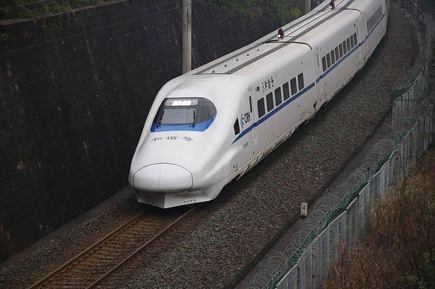 2009 yılında Japon Kawasaki Heavy Şirketi Çin'de yüksek hızlı bir demiryolu sistemi inşa etmekle görevlendirildi.
