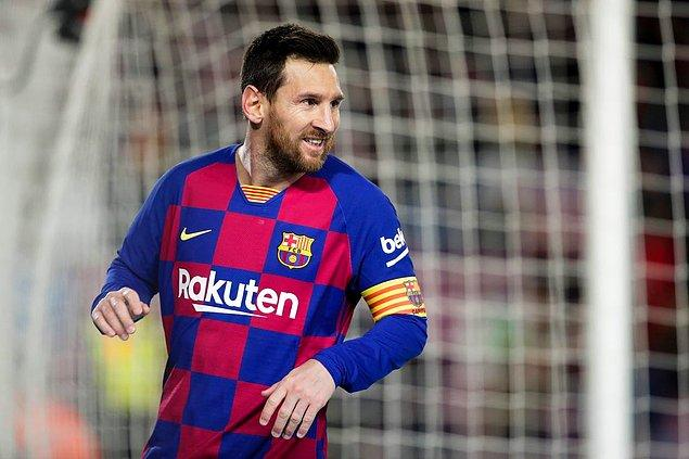 Lionel Messi'nin Barcelona'dan ayrılacağı ve bunu kulübe bildirdiği iddiası futbol gündemine bomba gibi düştü.