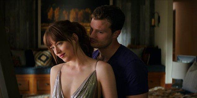 2. Dakota Johnson 'Fifty Shades of Grey'in o meşhur sahnelerinde çok eğlenmiş...