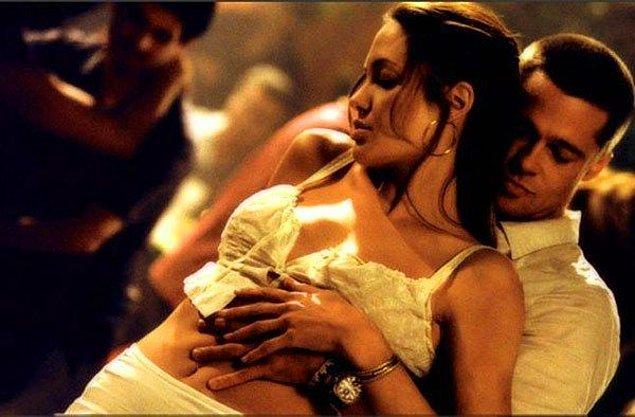 6. Angelina Jolie, Brad Pitt ile çektikleri cinsel ilişki sahnelerinden çok memnunmuş.