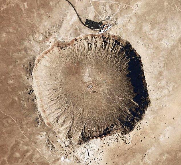 6. 50,000 yıllık meteor krateri.