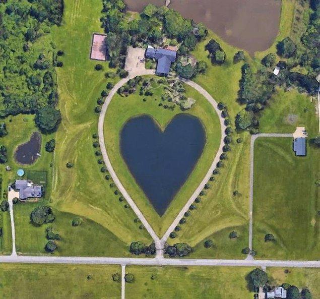 12. Ohio'da kalp şeklinde bir göl.
