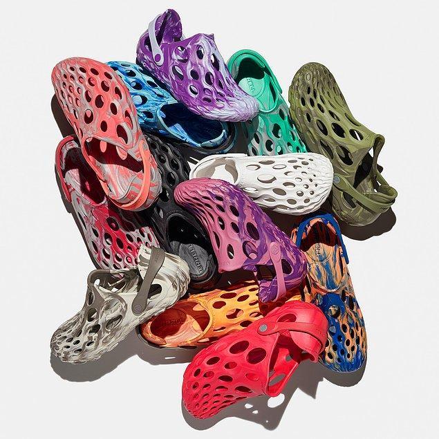 Pandemi sürecinde iyice rahat kıyafetlere yönelmiş olsak da, bu ayakkabıların ne kadar rahat olduğu da ayrı bir konu.