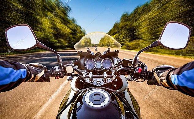 5. Yerleşim yeri içindeki kara yollarında aksine bir işaret yoksa motorlu bisikletler için azami hız sınırı saatte kaç kilometredir?
