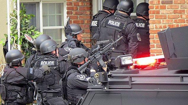 Amerika'da oldukça yaygın olan SWAT'lamak oyun oynayan gençler arasında bir şakalaşma yöntemi.