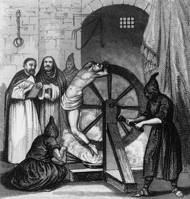 7. İngiltere'de başlayarak tüm Avrupa'ya yayılan bu yöntemde mahkum tekerleğe bağlanarak öldürülüyor.
