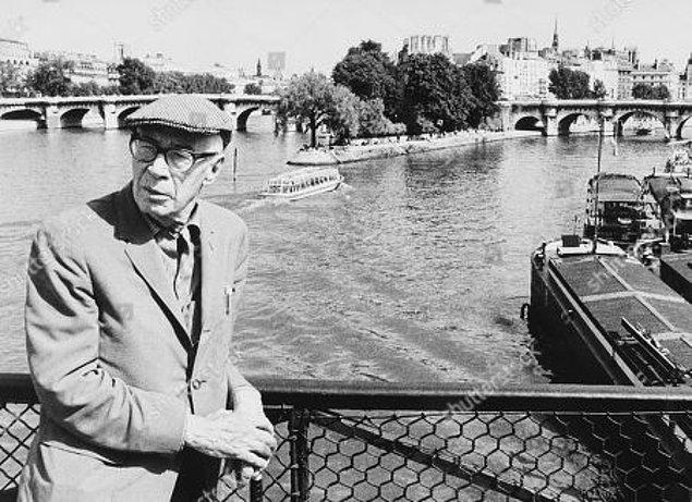 1930 ile 1939 yılları arasında Paris'te yaşıyor Henry Miller.