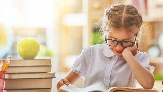 Son söz olarak altını çizmek isterim ki, eğitim sistemi tartışmalarının değil toplumsal yaşamın ve daha iyi bir dünya hayalinin tarafı olalım.