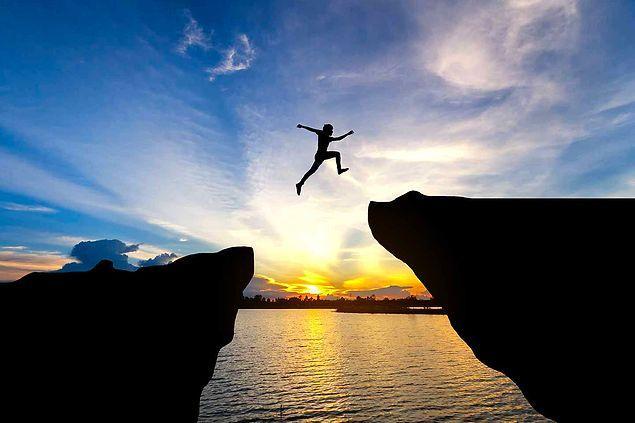 Kolay görünse de 'başka' bakabilmek, 'başka' olanı bulabilmek, 'başka'ya ulaşmak herkesin harcı değildir.