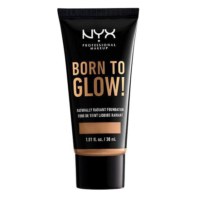 7. Geniş renk yelpazesine sahip NYX Professional Makeup fondöten seçenekleri ile hem cilt tonuna en uygun rengi kolayca bul hem de ister mat, ister doğal ten görünümünü elde et!