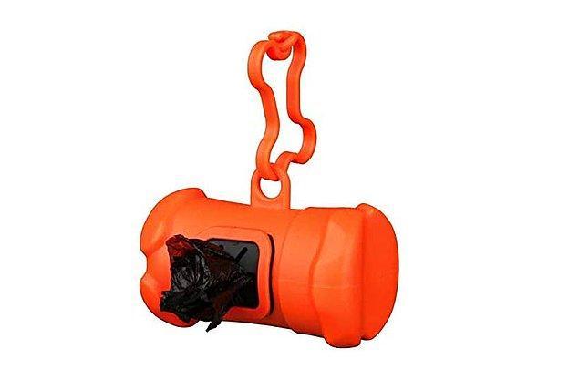 11. Köpek tuvalet torbası kabı ve poşetleri, pratik kullanım sağlıyor.