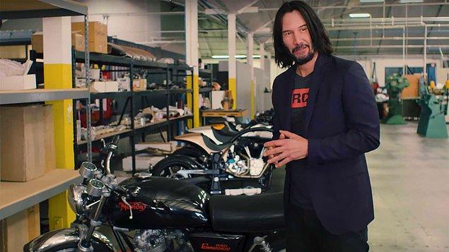 2. Tüm dublör ekibine Harley Davidson motosikletlerinden hediye etti...