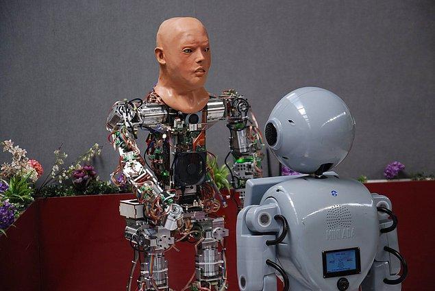 Büyük veri, yapay zeka ve insansı robotların kullanılmaya başlandığı günümüz dünyasında artık hepimizin bilmesi gereken bazı kavramlar hayatımızda yer almaya başladı.