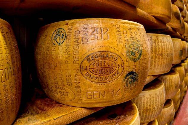 2. İtalya'da Parmesan peyniri, Orta Çağ'dan beri finansal operasyonlarda kullanılmaktadır.