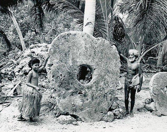 14. Mikronezya'daki Yap adasında Rai taşları kullanılan para birimleri arasındaydı.