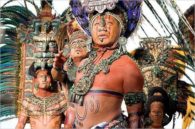 9. Bilindiği üzere aslında Mayalar ortadan kaybolmadı. Bugün dünyada yaşayan 7 milyon Maya bulunuyor.