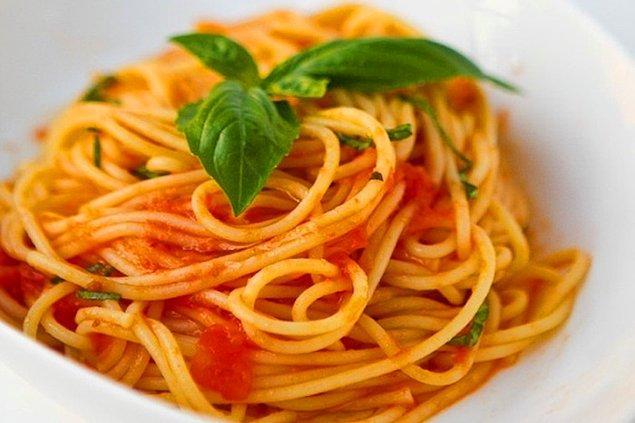 7. Napoliten soslu spagetti