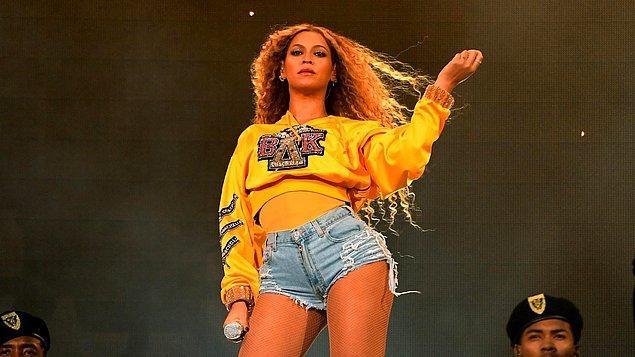 9. Coachella'da ana sanatçı olan ilk siyahi kadındı...