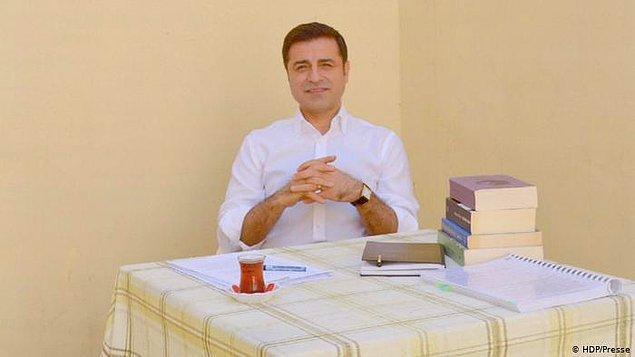 Tutuklu HDP eski Eş Genel Başkanı Selahattin Demirtaş, Ruşen Çakır'ın sorularını yanıtladı.