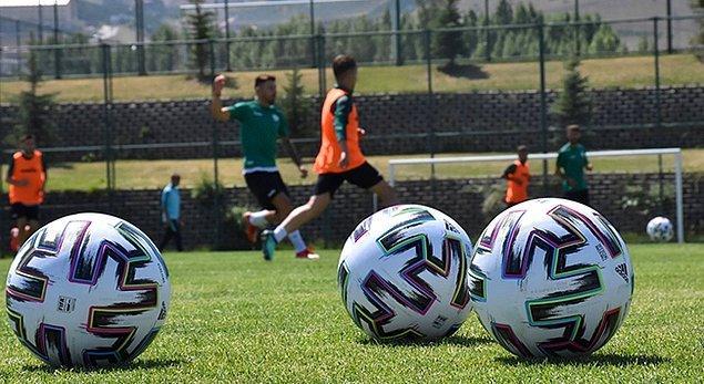 Hatayspor ve Alanyaspor kamp için Erzurum'u seçtiler. Palandöken Dağı eteklerinde bulunan Yüksek İrtifa Kamp Merkezi'nde sezon hazırlıklarını tamamladılar.