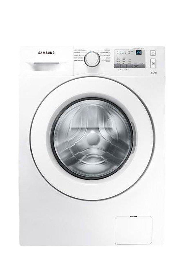 12. Evleneceklere müjde! Beyaz eşyada da güzel indirimler var. Samsung marka çamaşır makinesinin fiyatı 3287 TL'den 2560 TL'ye düşmüş.