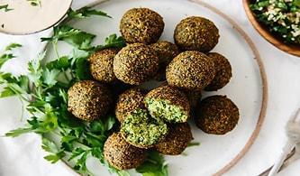 Falafel Tarifi: Veganların Vazgeçilmez Yemeği Falafel Nasıl Yapılır?
