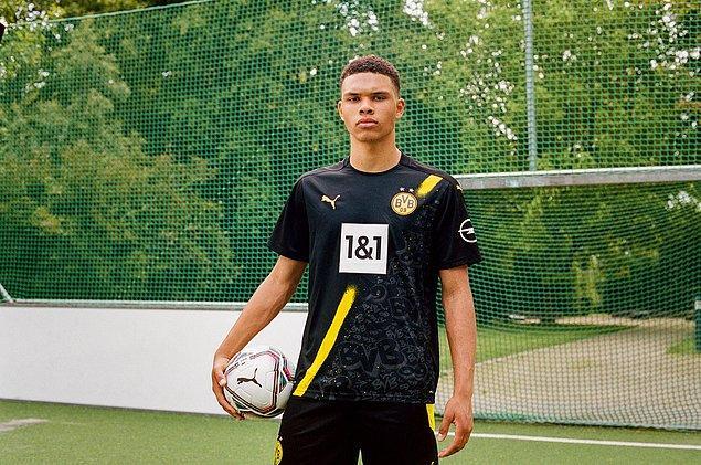 Borussia Dortmund formasıyla yıldızlara çıkabilirsin.