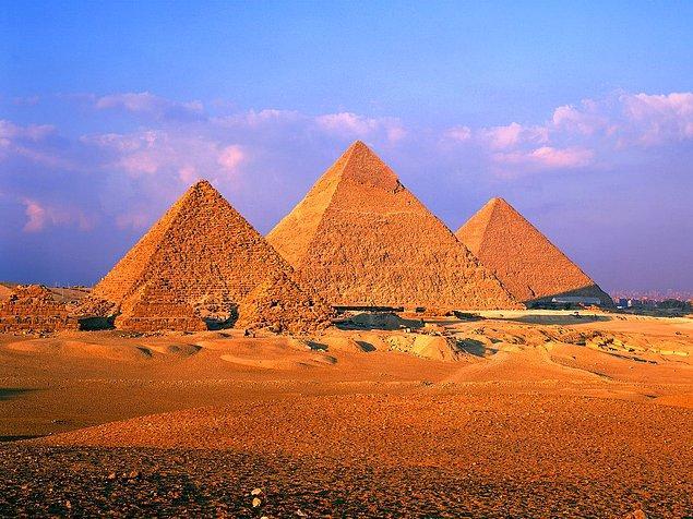 2. Mısır piramitleri