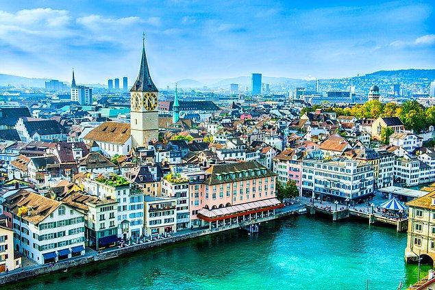 İsviçre halkının bizim 33 bin TL deyip ayılıp bayıldığımız bu asgari ücrete yaşaması güçleşiyor. Sonuçta pahalı bir ülke. Türkiye'deki fiyatlar da çok iç açıcı değil yine de. Asgari ücretle geçinen birinin zaten aldığı paranın çoğu kiraya gidiyor.