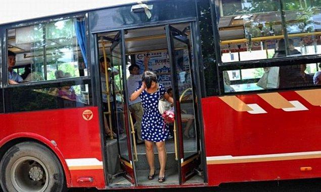 Otobüsten inerken düşeceksin!