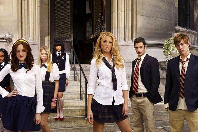 1. HBO Max, Gossip Girl dizisinin sekiz yıl sonrasında yaşanan olayları anlatacağı yeni Gossip Girl dizisi için hazırlıklara başladı.