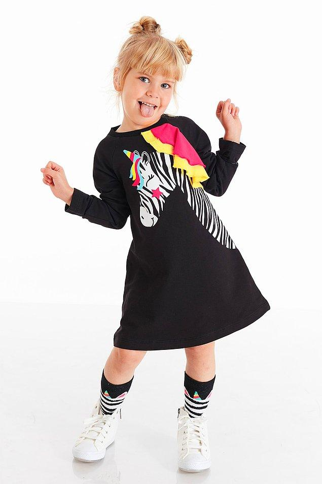 1. Bu şirin mi şirin elbiseyle başlayalım o zaman. 2 yaştan 8 yaşa kadar bedeni var ve şu anda %15 indirimde!