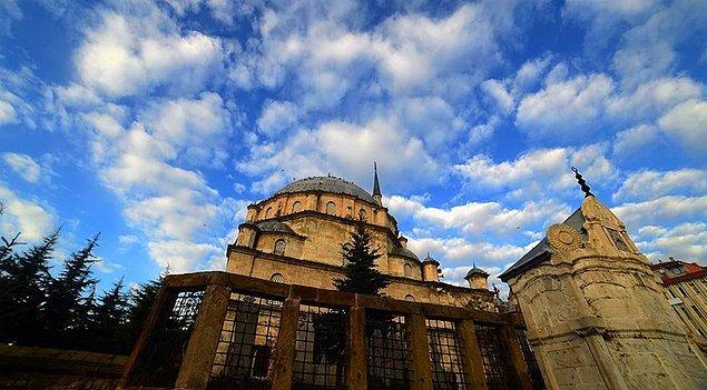 Son icraatımız Yozgat Çapanoğlu Camii'nden geliyor bu kez.