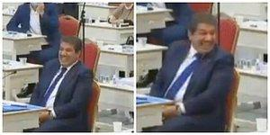 Sosyal Medya Seviyeyi Tartışıyor: İYİ Parti'li Yıldız'ın 'Metroda İnternet' Önerisine AKP'den 'İnternetçi Arkadaş' Karşılığı