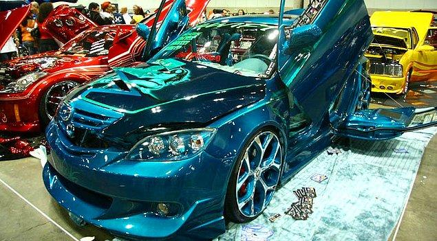 1. Modifiye edilerek gıcır gıcır olmuş bir Mazda 6