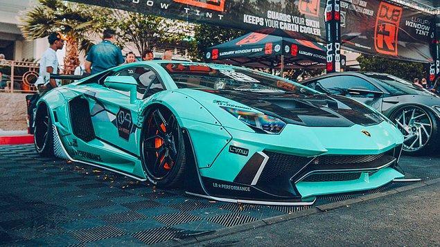 13. Bakmalara doyamayacağınz bu Lamborghini'ye ne demeli?