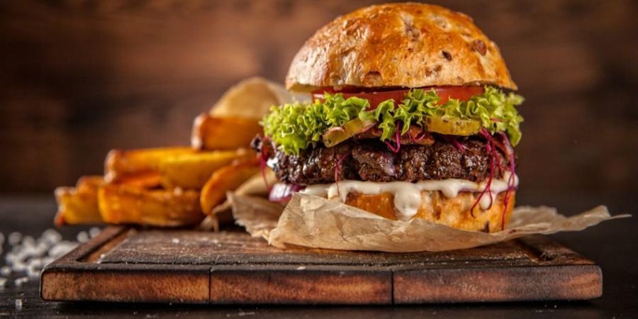Hamburger Tarifi: Her Gün Olsa Bıkmadan Yenilecek Hamburger Nasıl Yapılır?