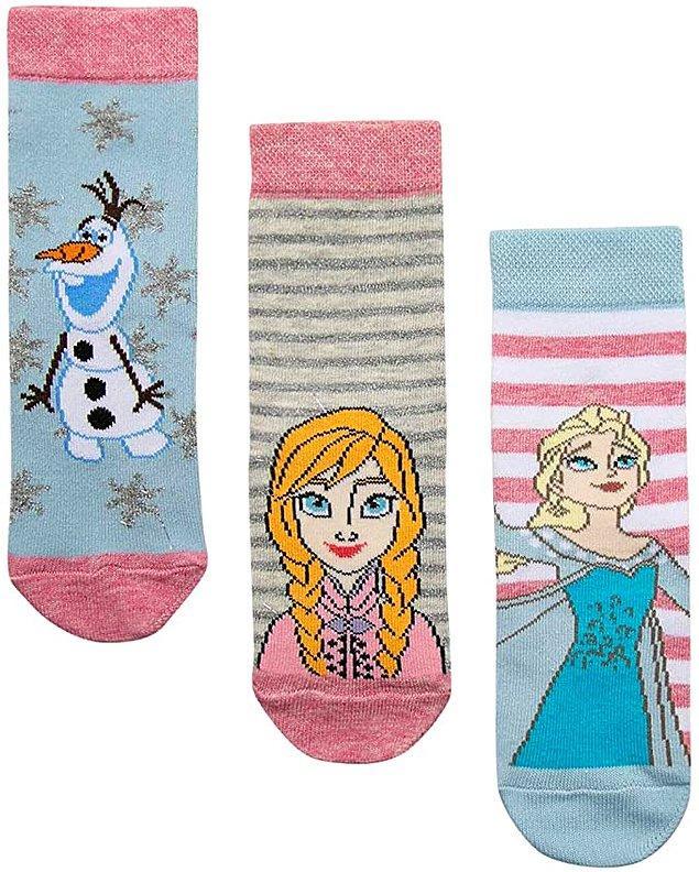 16. Elsa ve Olaf aşkına. Koton'un 3'lü çorap seti indirimde, sadece 11 TL!