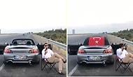 Bu Nasıl Bir Magandalık?! Yol Kenarına Arabasını Park Edip Sandalye Üzerinde Havaya Ateş Ederken Türk Bayrağı Açtı