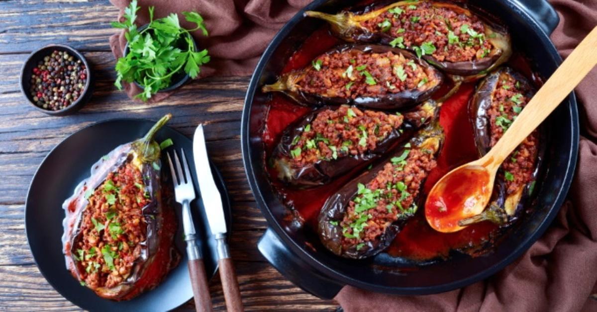 Karnıyarık Tarifi: Türk Mutfağının Vazgeçilmezi Karnıyarık Yemeği Nasıl Yapılır?
