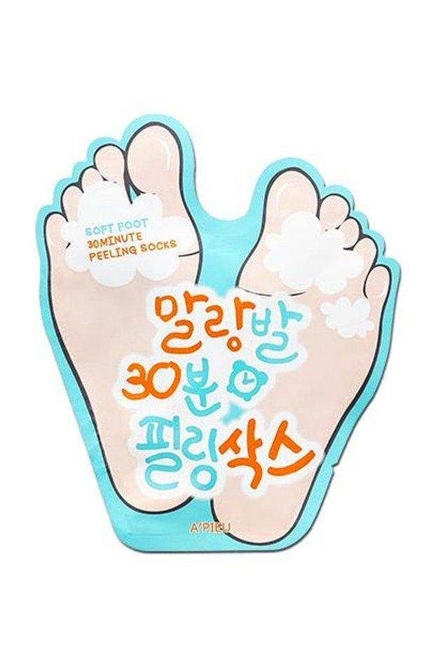 16. Ayaklarda oluşan ölü deri tabakasının atılımını sağlayarak yumuşak ve pürüzsüz olmasını sağlayan bir peeling!