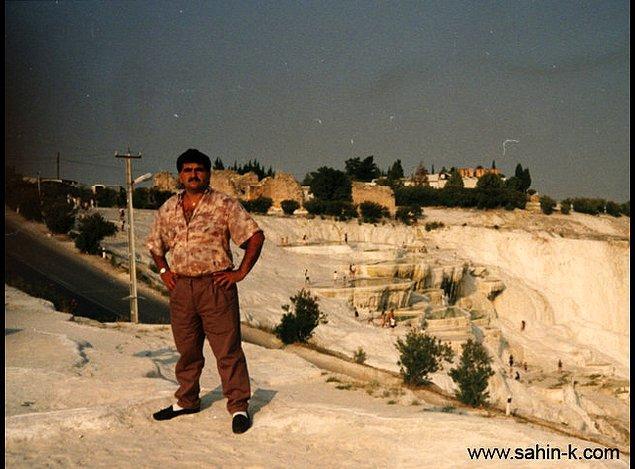 Gerçek adı Şahin Yılmaz olan Şahin K. 1968'de Aksaray'da doğup büyümüş. Oto tamirciliği yaptığı sırada bir şekilde Alman bir kadına aşık olmuş ve basmış gitmiş sevgilisinin arkasından.