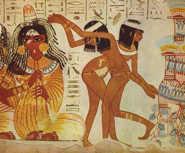 Bilim insanları Antik Dönem'e ait evlilik sözleşmelerinin papirüslerini incelediğinde kadın haklarının korunduğuna dair pek çok bulguya erişmiş.