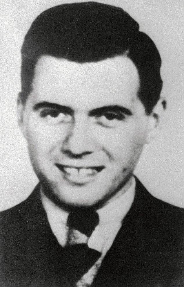 Toplama kamplarının ölüm meleği olarak adlandırılan Dr. Mengele, Yahudiler üzerinde çok sayıda şeytani deney uygulamaktaydı.