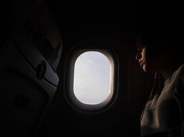 5. Uçaklarda, uçağın düşme ihtimaline karşı kalkış ve iniş öncesinde ışıkları kapatırlar.